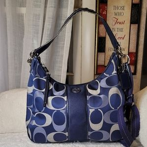💙Coach Navy Blue  💙 signature Hobo